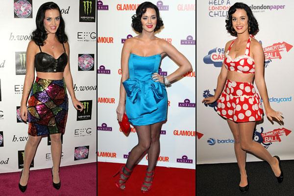 A cantora Katy Perry arrasa no estilo pin-up: saia de cintura alta e top preto, sandália vermelha com vestido tomara que caia azul e um look dos anos 50 com estampa de bolinhas.