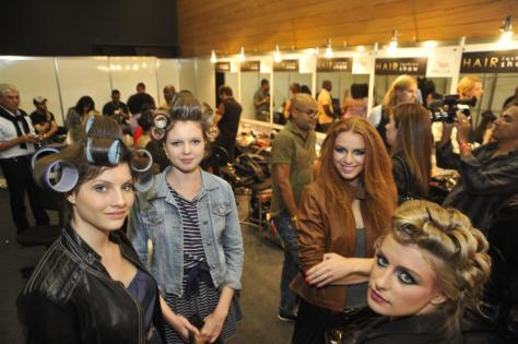 hair fashion show 2011 ale de souza backstage (2)