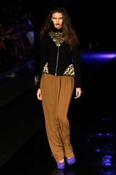Delfrance Ribeiro - Dragão Fashion Brasil 01