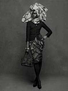 The Little Black Jacket de Chanel revivida por Karl Lagerfeld 1
