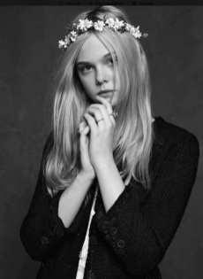 The Little Black Jacket de Chanel revivida por Karl Lagerfeld 9685