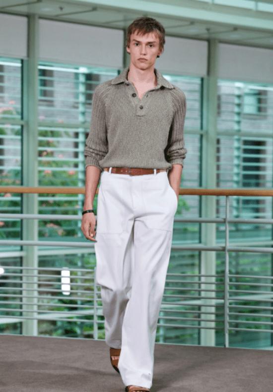 Blusa tricô com colarinho aberto para silhuetas masculinas