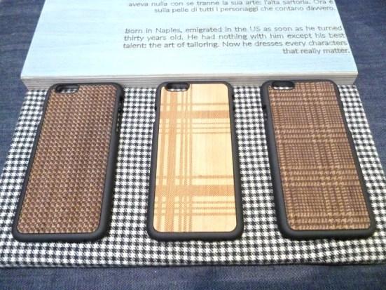 Padrons quadriculados em capas de madeira para celular Marca WOOD´D