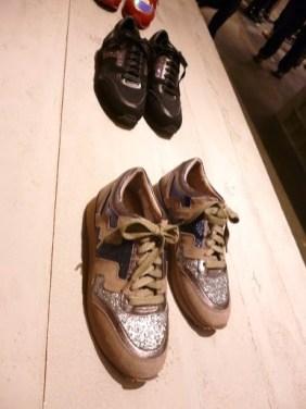Sneakers com brilho