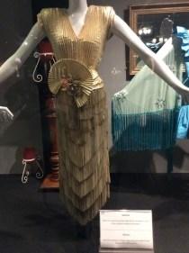 Anos 80 - vestido de franjas