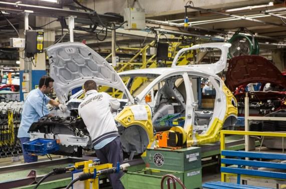 Fábrica da Ford em São Bernardo do Campo - BodyShop - Linha de montagem - Pintura do Ford New Fiesta 25