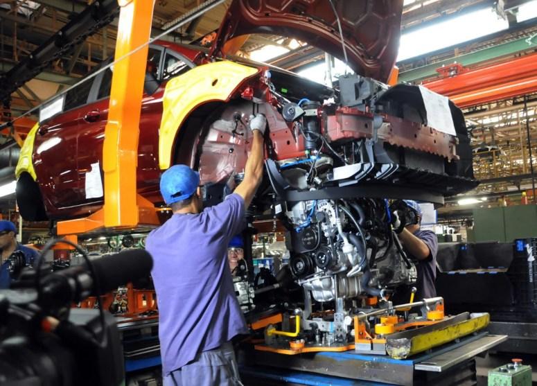 Fábrica da Ford em São Bernardo do Campo - BodyShop16 - Linha de montagem do Ford New Fiesta 1