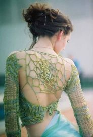 detalhe costas blusa de crochet