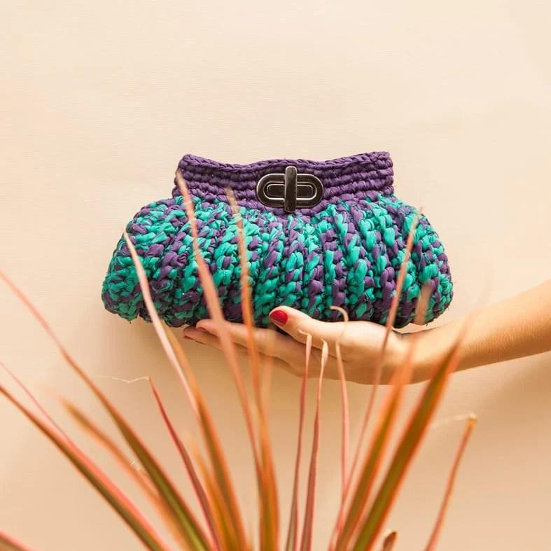Bolsa clutch multicolorida da marca Catarina Mina