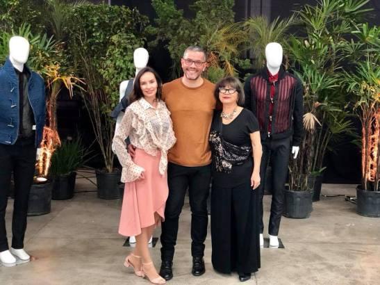 Denise Pitta do Fashion Bubbles, Ronaldo Silvestre e a jornalista Yuko.
