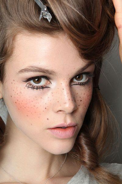Maquiagem junina: elementos clássicos como sardas