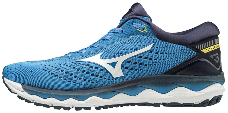Foto de um tênis esportivo azul.
