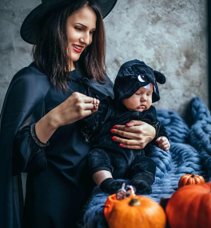 Mamãe de bruxa e capa