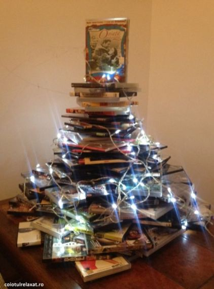 AD-100-Of-The-Most-Creative-Christmas-Trees-Ever-94
