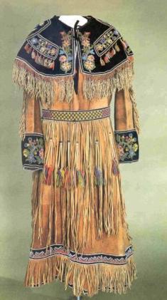 Franjas nos trajes dos índios americanos