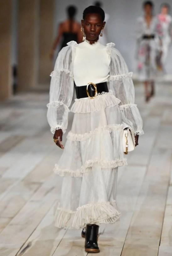 alexander mcqueen vestidos brancos 2020