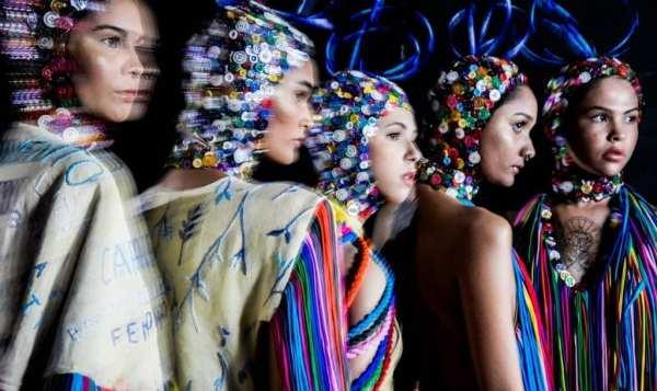 Foto de modelos com looks de desfile da edição2019 do DFB