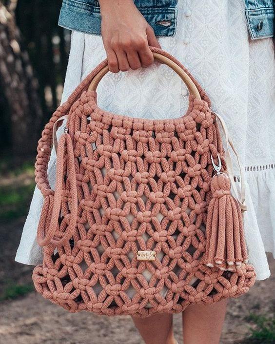 Bolsa macramê com fio de malha