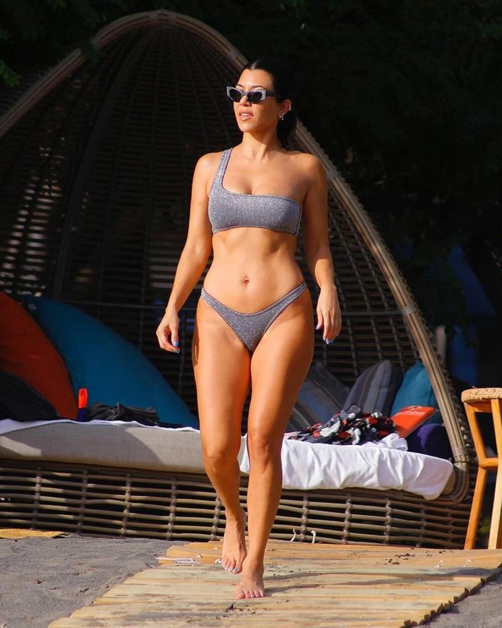 Biquíni das Famosas Kardashian 2021