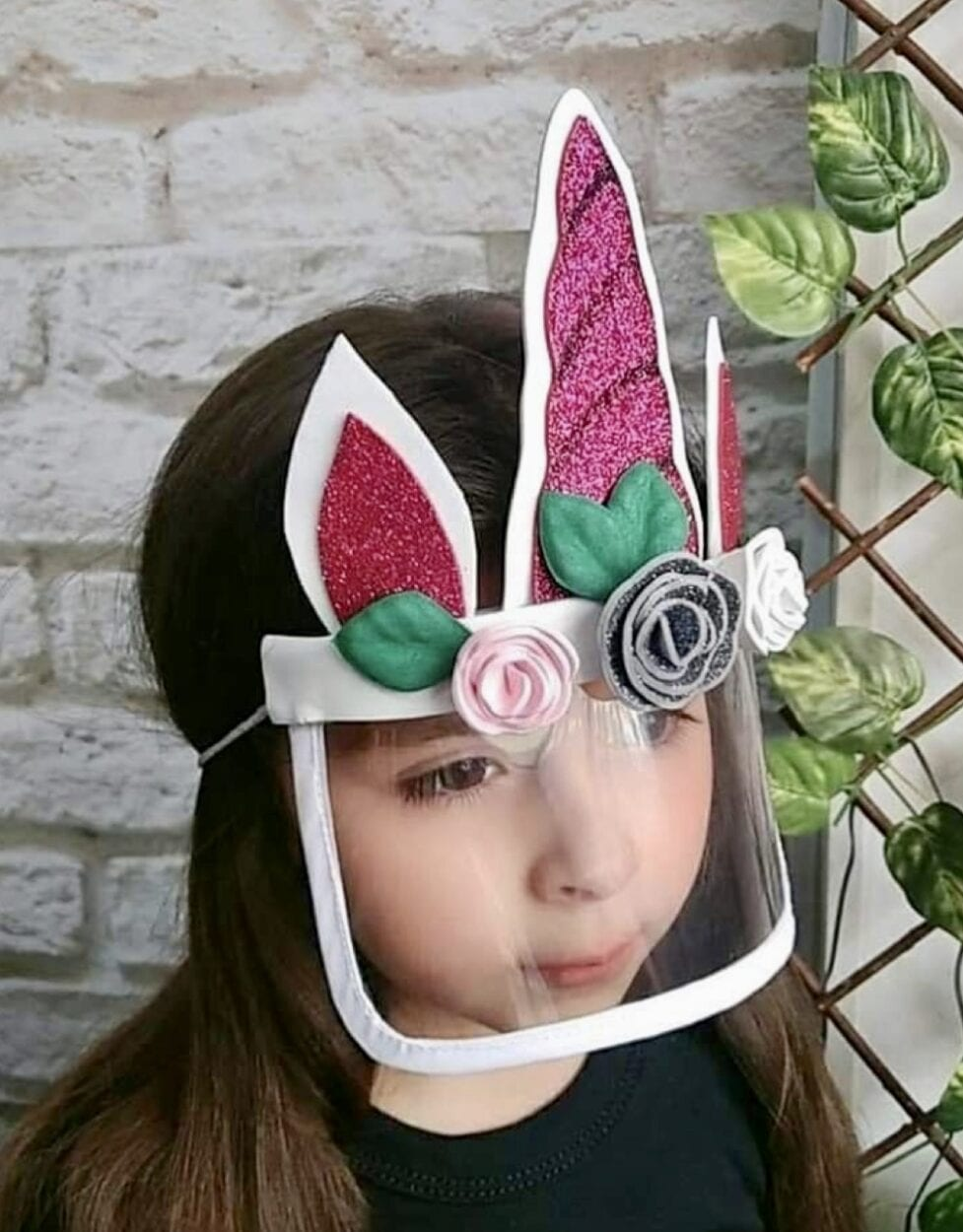 máscara feminina de unicórnio