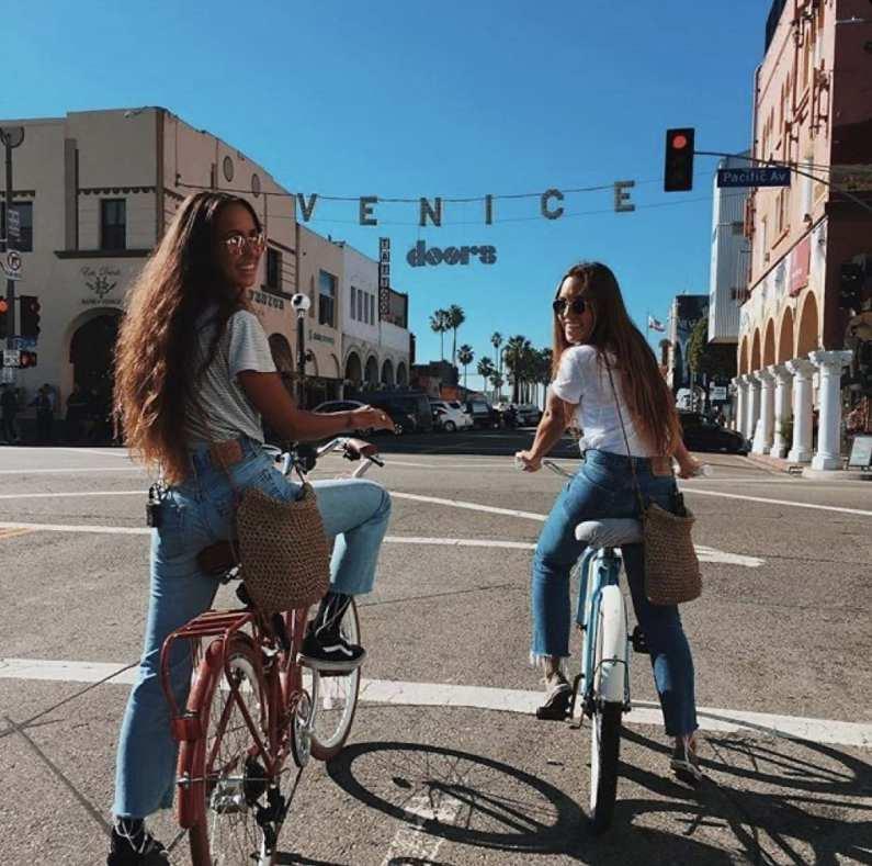 Foto tumblr de amiga de bicicleta