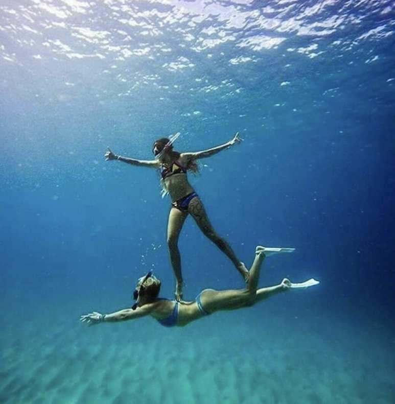 Foto tumblr de amiga no mar