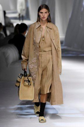 casaco com bordados Fendi
