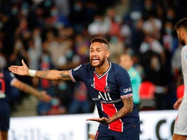 Neymar Jr. é vítima de racismo
