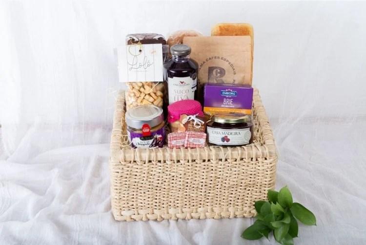 cesta de Natal com produtos caseiros