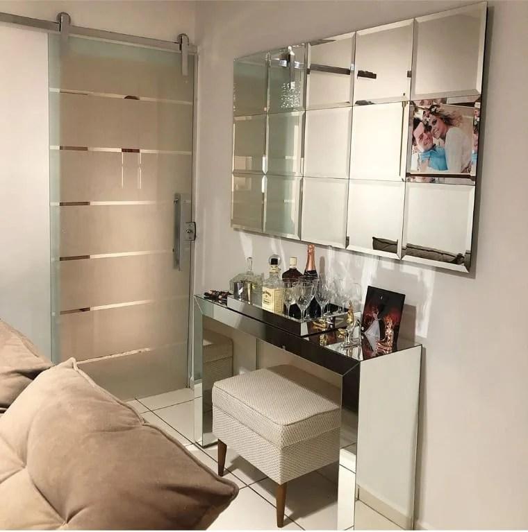 Decoração de sala pequena com bar