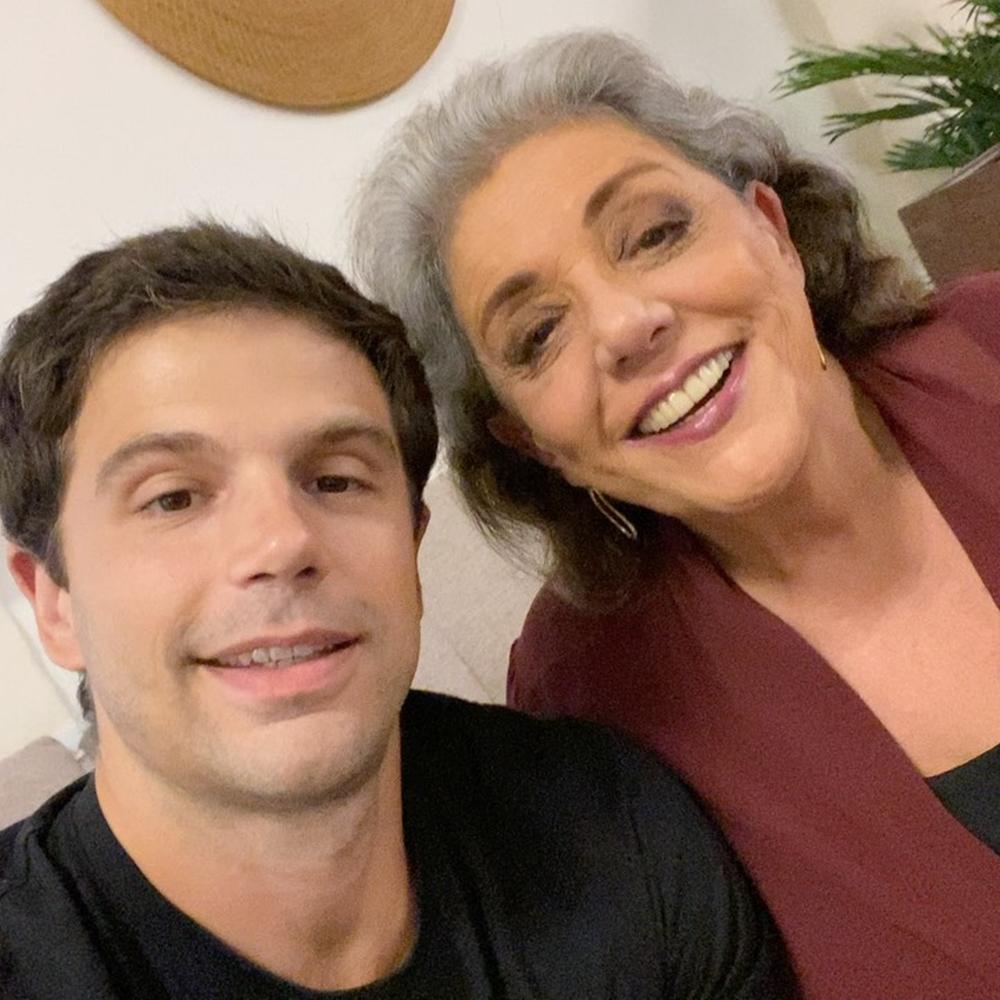Duda e sua mãe.