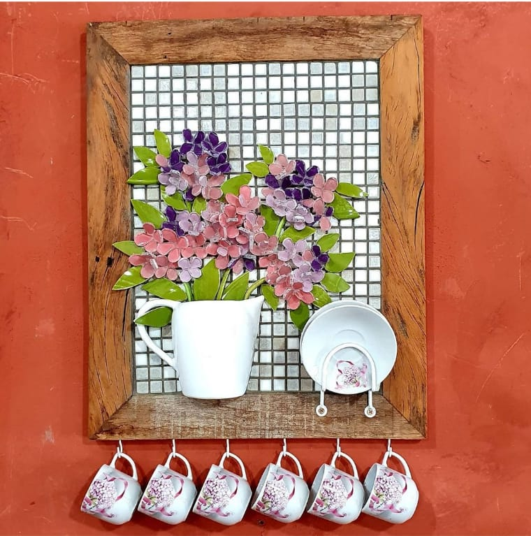 Artesanato de quadro com xícaras