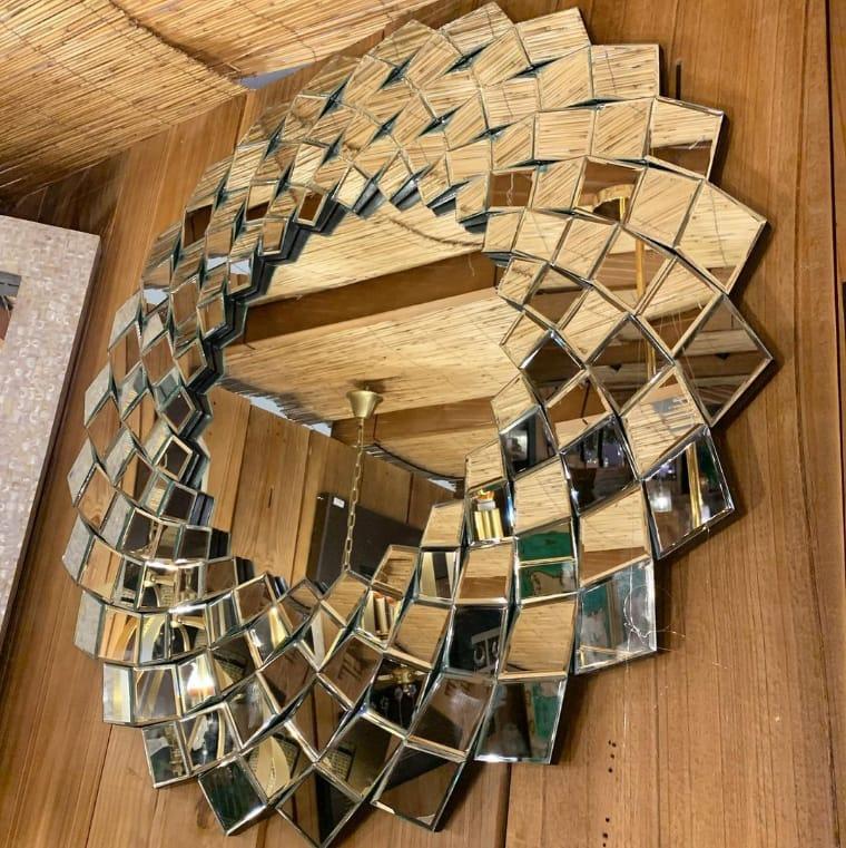 Espelho em formato de flor