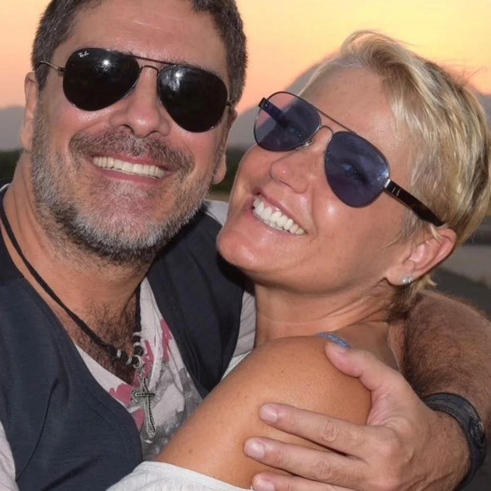 Xuxa e seu esposo Juno.