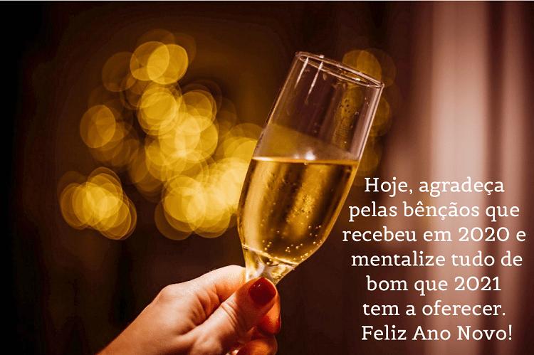 taça de champanhe e frase desejando feliz 2021