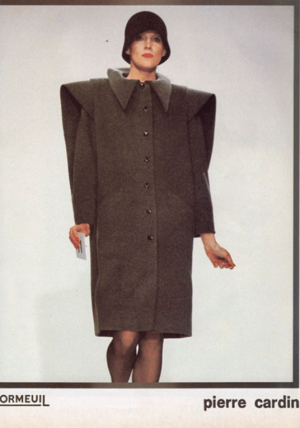 Paletó maxi ombreira Pierre Cardin