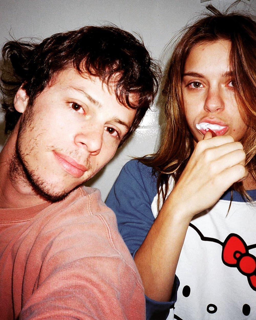 Carolina Dieckmann e seu esposo.