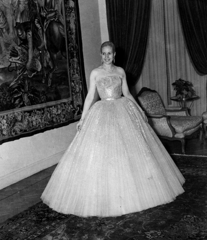 Eva Perón vestida com um Dior, em 1949.