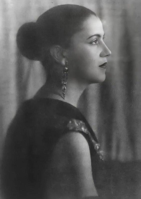 Retrato de Tarsila do Amaral por 1925.