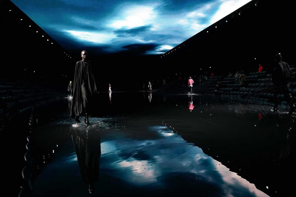 Jogo 'Afterworld: The age of tomorrow' lançado pela Balenciaga para apresentar coleção.