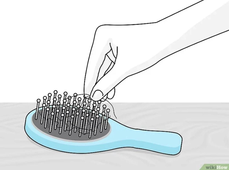 Retire os fios do objeto e os lave com sabão, ou, apenas, passe um pano umedecido.