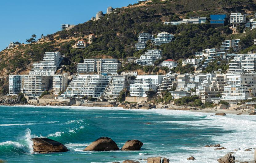 Imagem de apartamentos a beira mar.