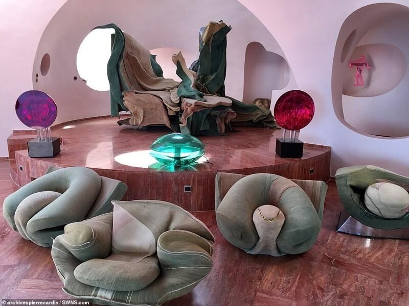 casa de Pierre Cardin