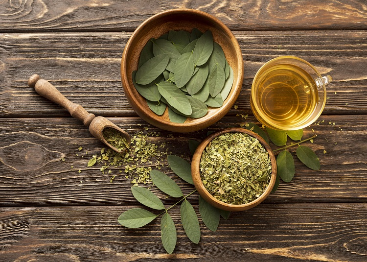 ingredientes para o preparo do chá de moringa