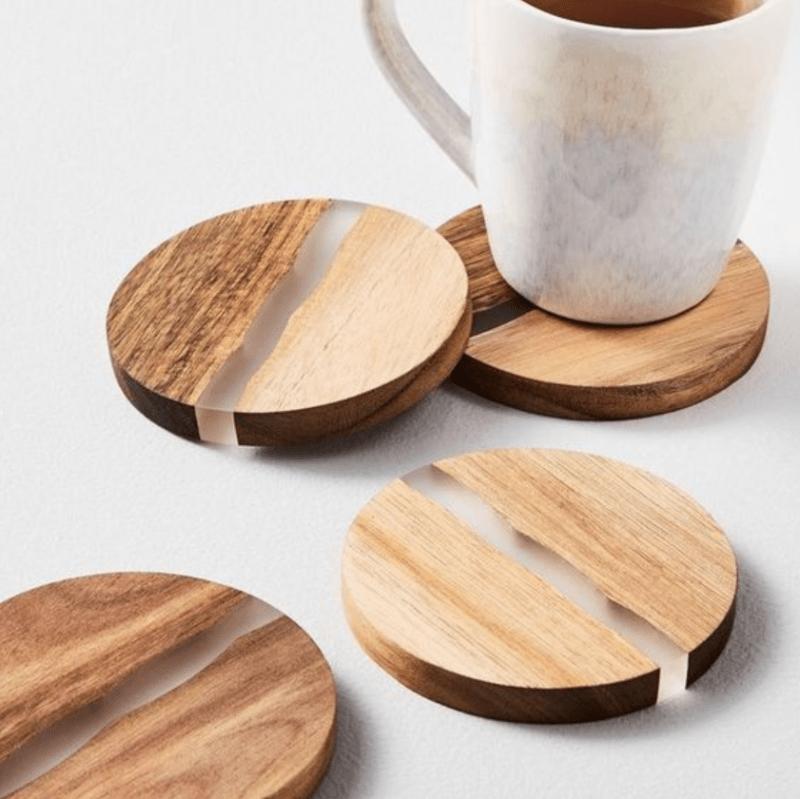 Porta copos de madeira e resina