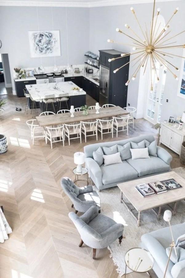 Cozinha integrada com sala cinza