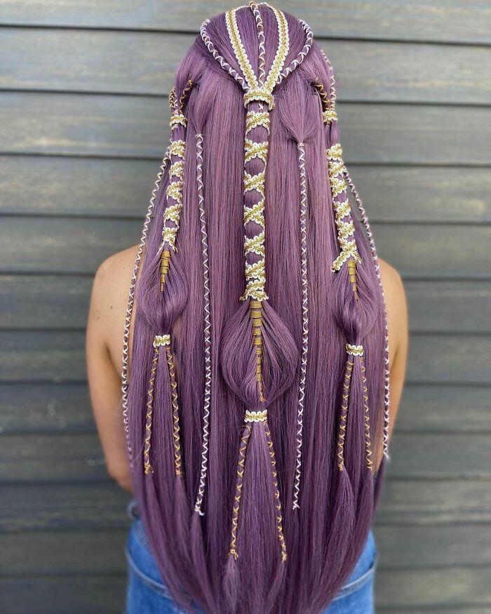 trança no cabelo lilás