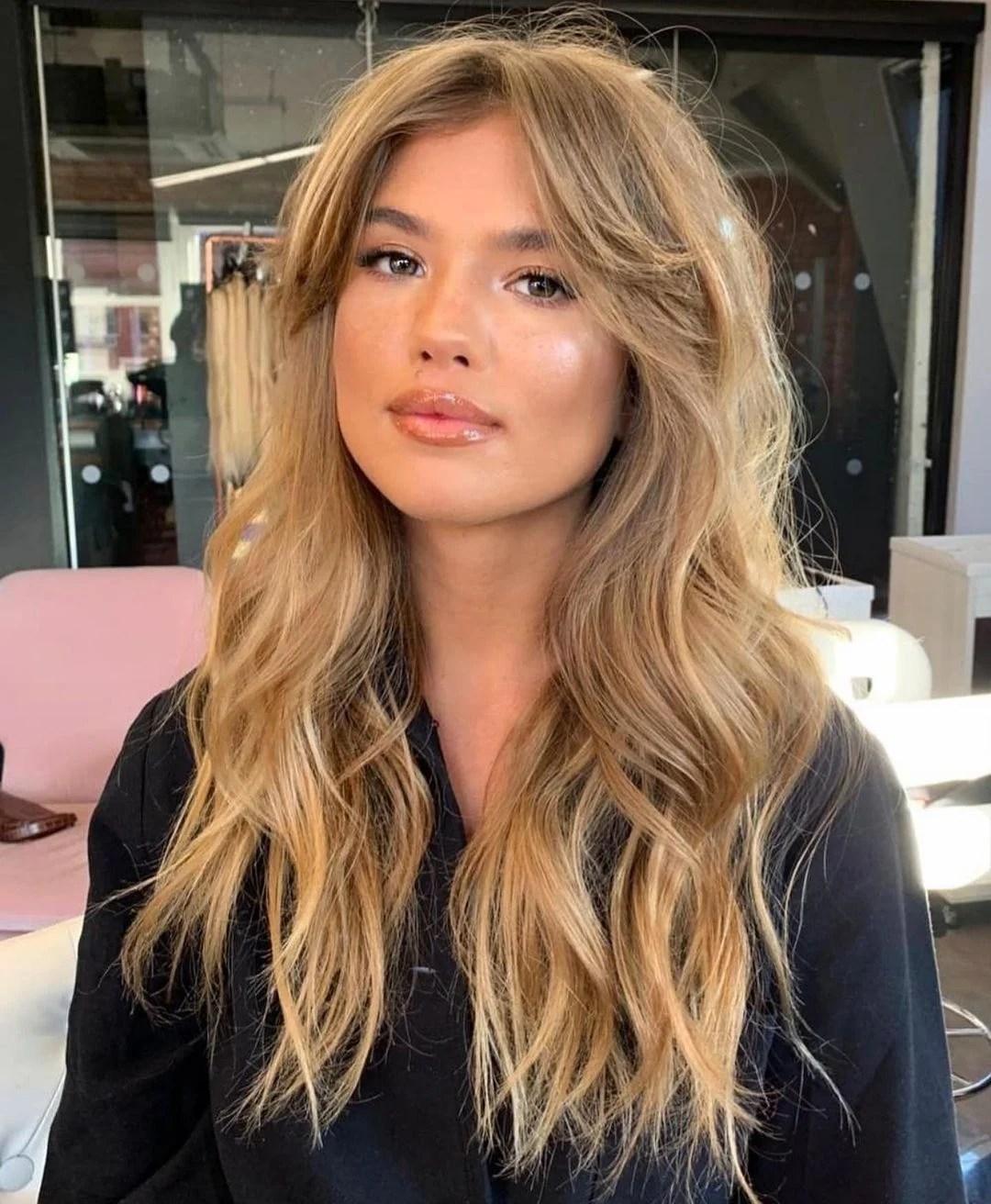 franja lateral em cabelo comprido