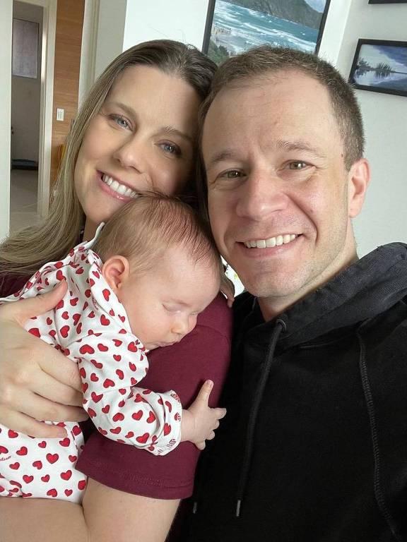 Tiago, a esposa e a filha - Reprodução