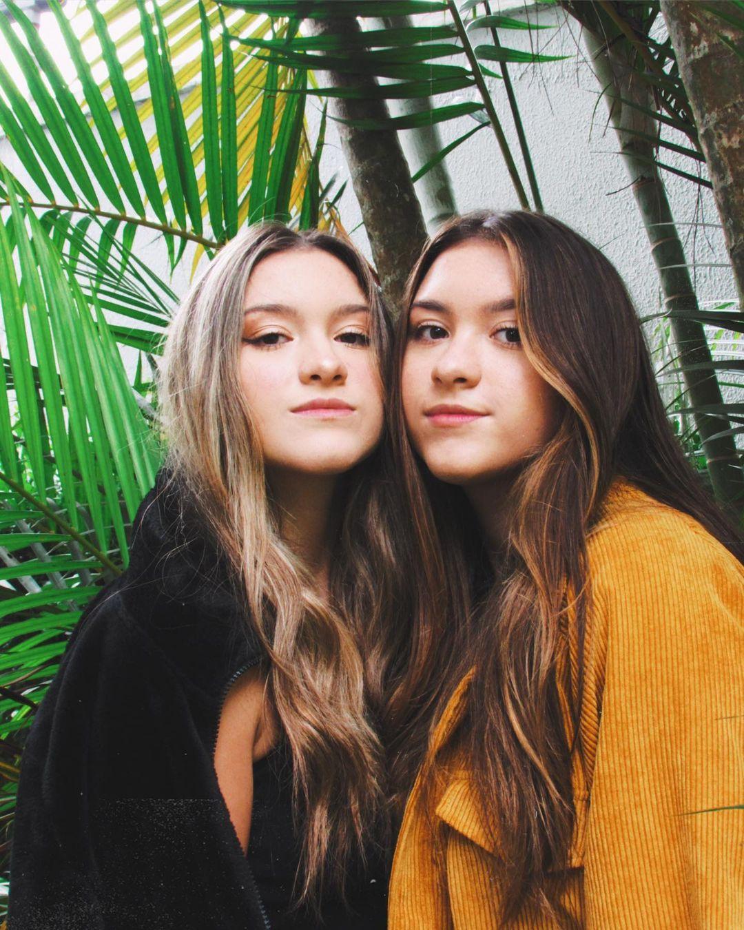 Gêmeas, irmãs de João Augusto.